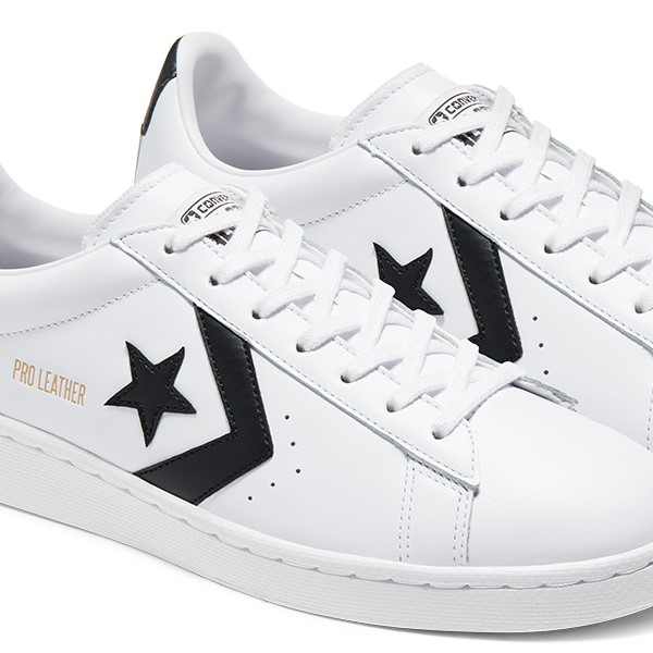 Converse Pro Leather Low Top Sneaker